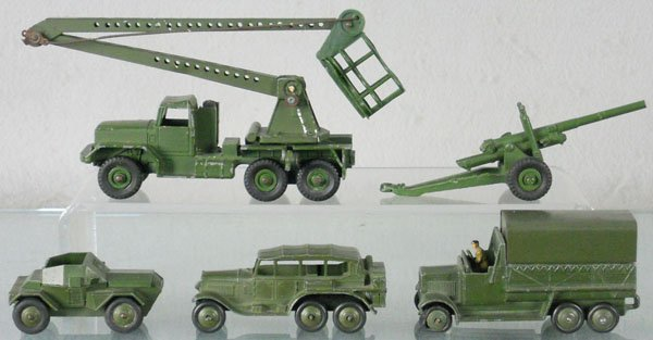 15: 5 DINKY MILITARY VEHICLES