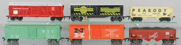 10: 6 AMERICAN FLYER FREIGHT CARS