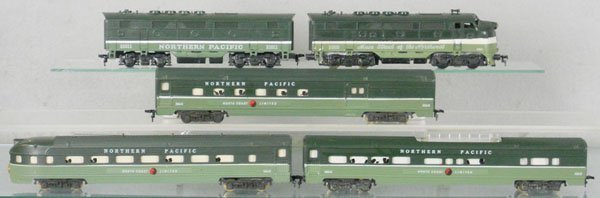 11: AMERICAN FLYER NORTHERN PACIFIC TRAIN SET