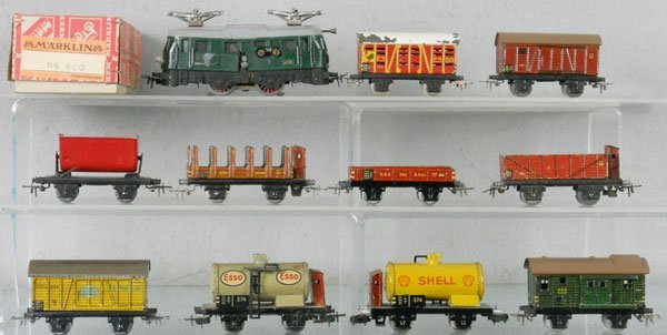 15: MARKLIN TRAIN SET