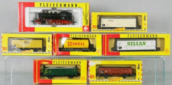 18: FLEISCHMANN TRAIN SET