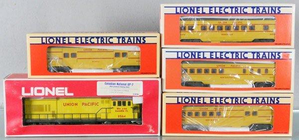 LIONEL UP TRAIN SET