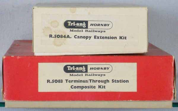 2 TRIANG HORNBY TRAIN STATION KITS