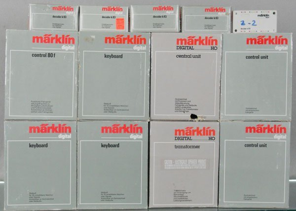 13 MARKLIN ACCESSORIES