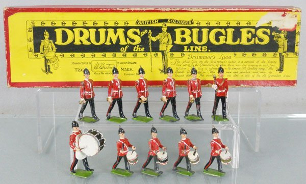 BRITAINS 30 DRUMS & BUGLES OF THE  LINE