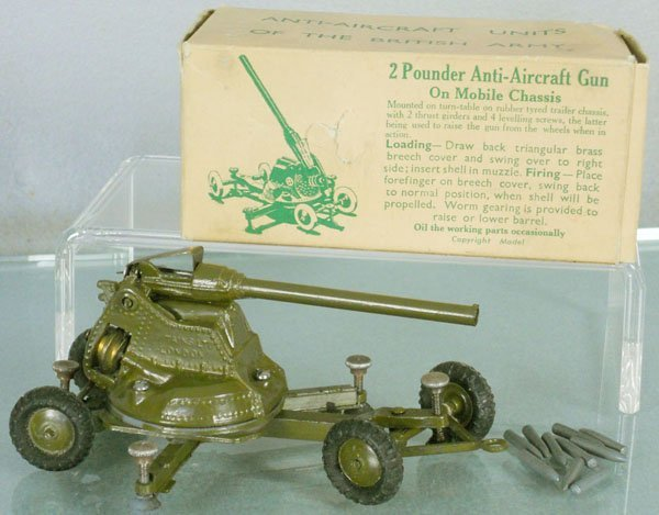 BRITAINS 1717 2 POUNDER AA GUN ON CHASSIS