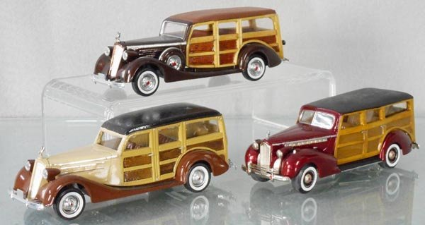 3 CUSTOMIZED PACKARDS