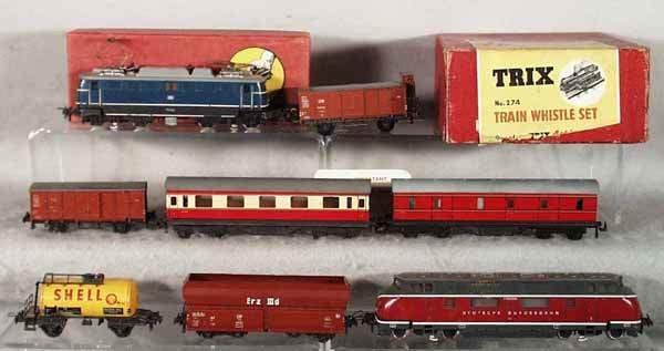 19: TRIX TRAIN LOT