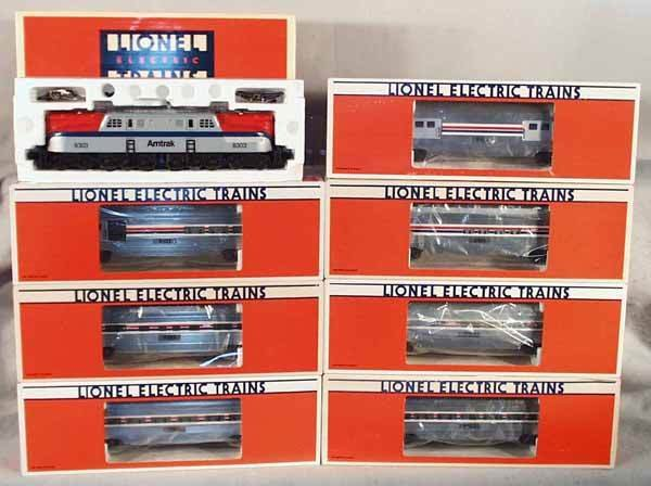 190: LIONEL AMTRAK TRAIN SET