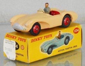 Dinky 104 Aston Martin Db3s
