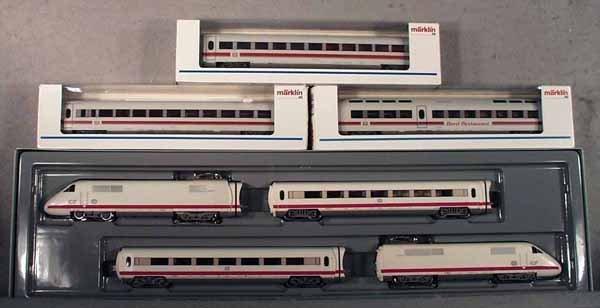 001A: MARKLIN ICE TRAIN SET