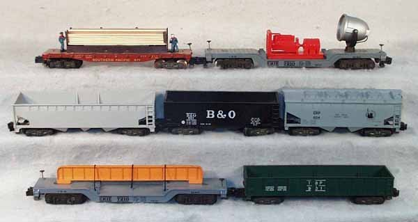 4: 7 AMERICAN FLYER FREIGHT CARS
