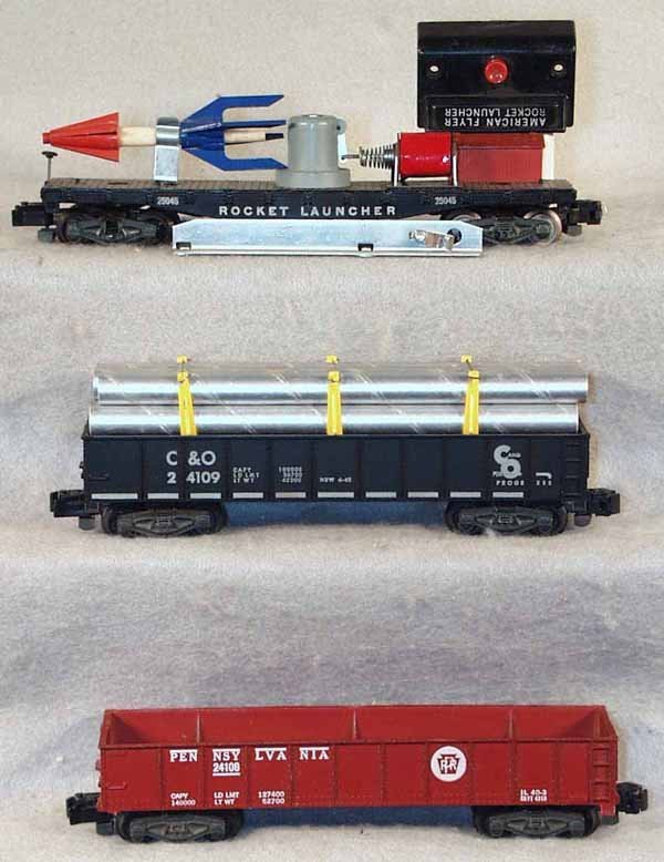 5: 3 AMERICAN FLYER FREIGHT CARS