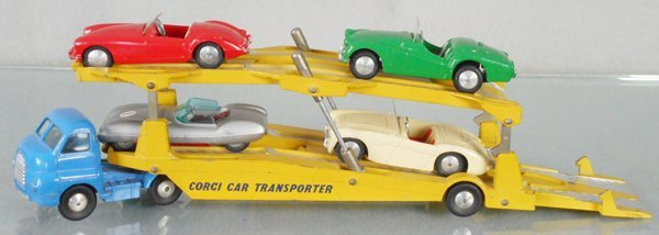 CORGI CAR TRANSPORTER W/4 AUTOS