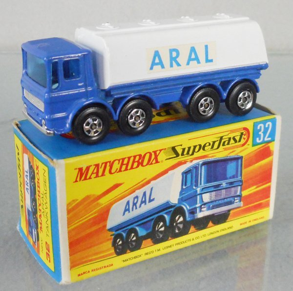 MATCHBOX SUPERFAST 32A1 LEYLAND TANKER