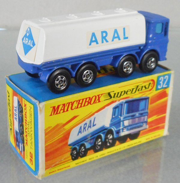 MATCHBOX SUPERFAST 32A1 LEYLAND TANKER - 2