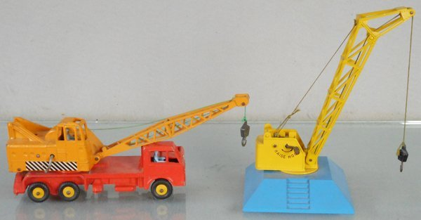 2 DINKY CONSTRUCTION VEHICLES