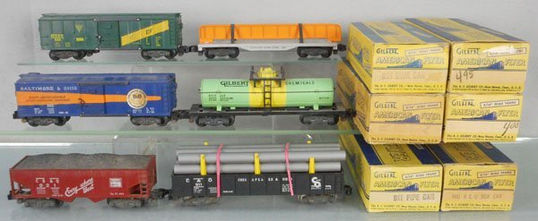 6 AMERICAN FLYER FREIGHT CARS