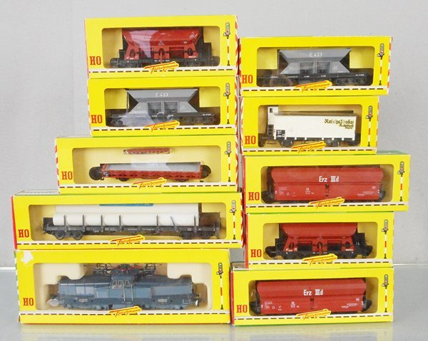 FLEISCHMANN FREIGHT TRAIN SET