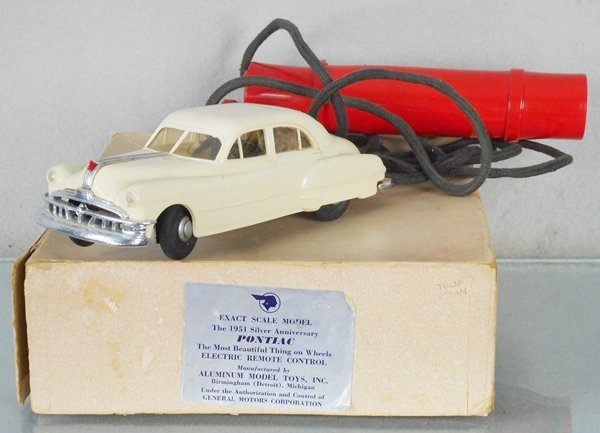 AMT 1951 PONTIAC CHIEFTAIN EIGHT