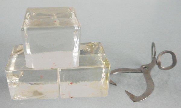 ARCADE ICE & TONGS