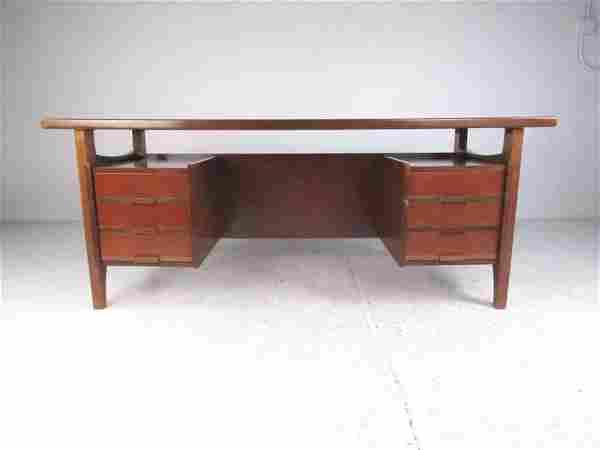 Executive Desk by Schirolli