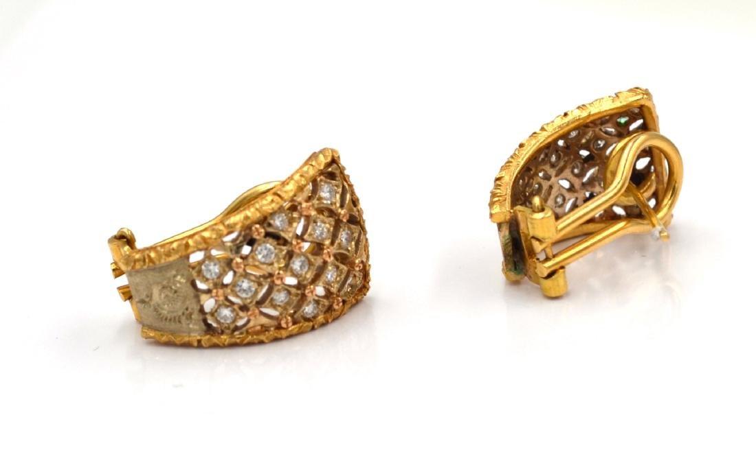 Orecchini in oro giallo e bianco con diamanti.    A