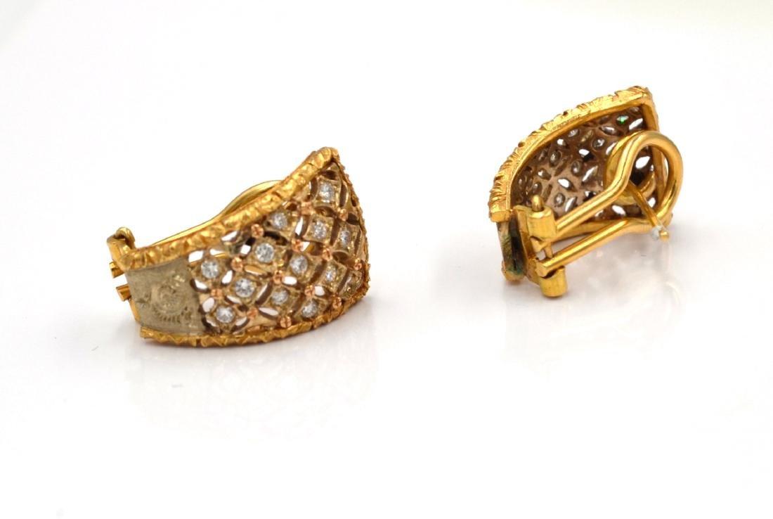 Orecchini in oro giallo e bianco con diamanti.    A - 2