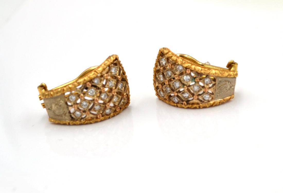 Orecchini in oro giallo e bianco con diamanti.    A - 4