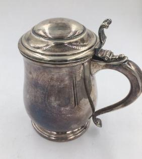 Tankard in argento titolo 800. A silver tankard