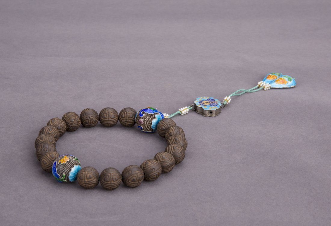 A POSSIBLY EAGLEWOOD PRAYER BEADS