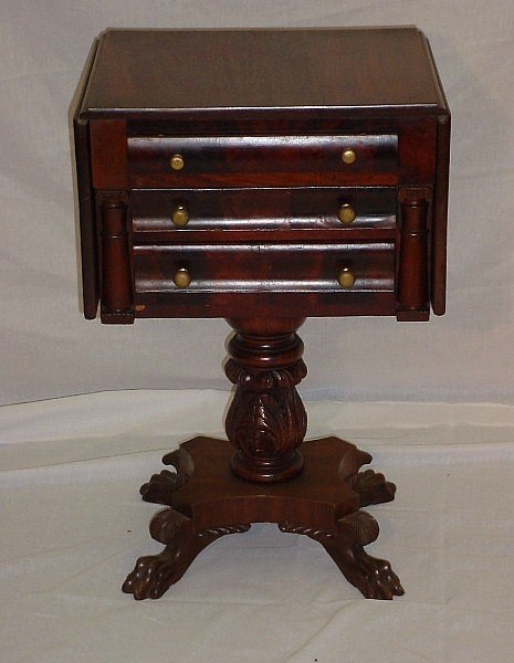 107: American classical mahogany  table, circa 1840. Th