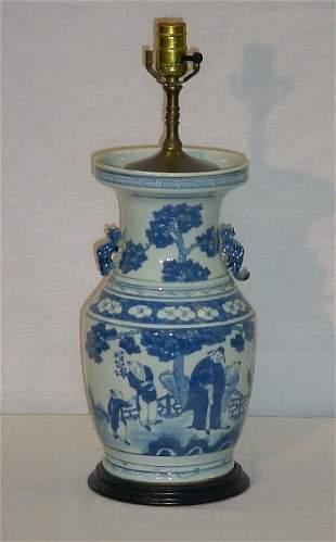 Chinese Export porcelain vase, mounted as a lamp. V