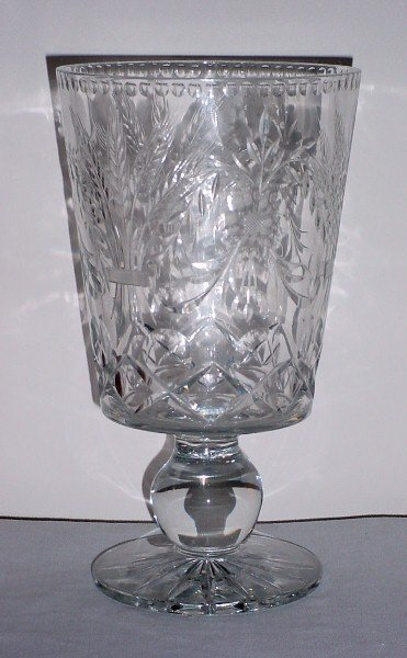 22: Victorian colorless etched crystal vase