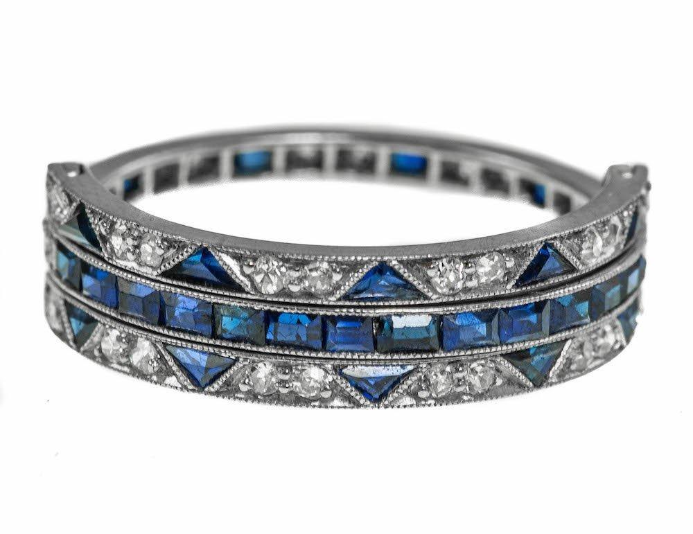 ART DECO PLATINUM SAPPHIRE AND DIAMOND RING