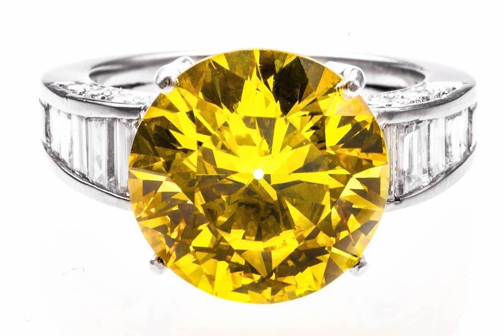 7.90CT GIA CERTIFICATED FANCY VIVID YELLOW DIAMOND