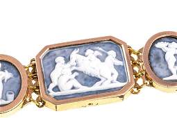 AN ANTIQUE GOLD AND CAMEO BRACELET