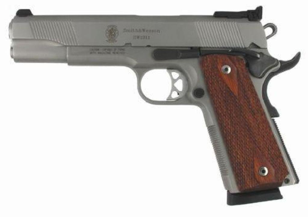 NEW!!! SMITH AND WESSON SW1911 45 ACP 022188082845