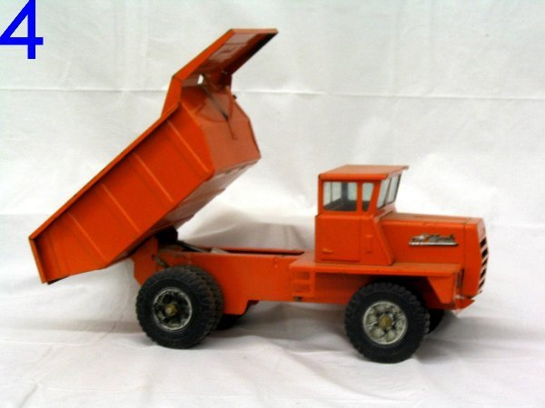 L004- Buddy L Hydraulic Metal Toy Truck