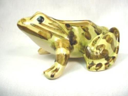 L510-Brush McCoy Open Back Frog Planter