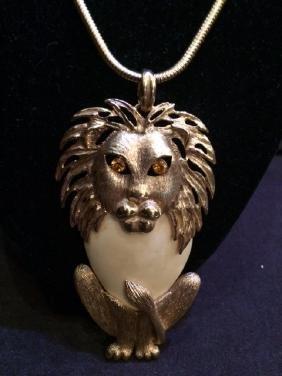 Heavy Lion Vtg Cotume Jewerly w Chain