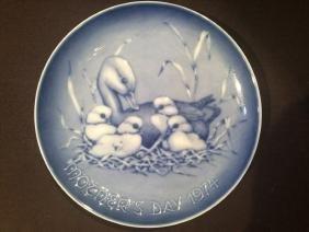 Kaiser Mother Duck w Babies Plate