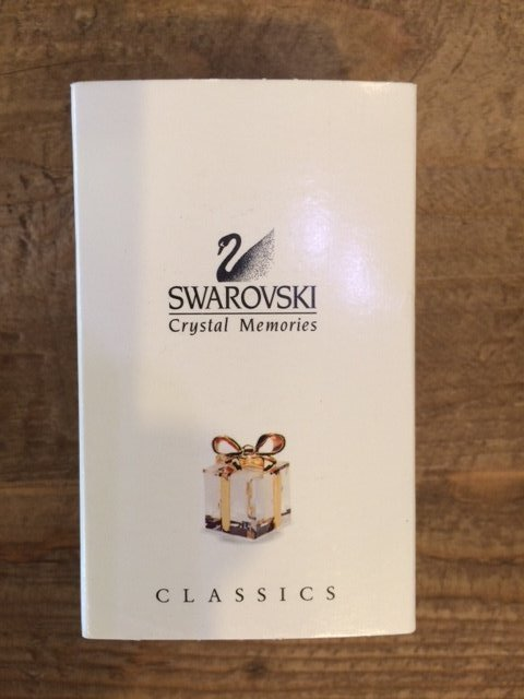 "SWAROVSKI Crystal Memories Classics ""Wrapped Gift Box"""