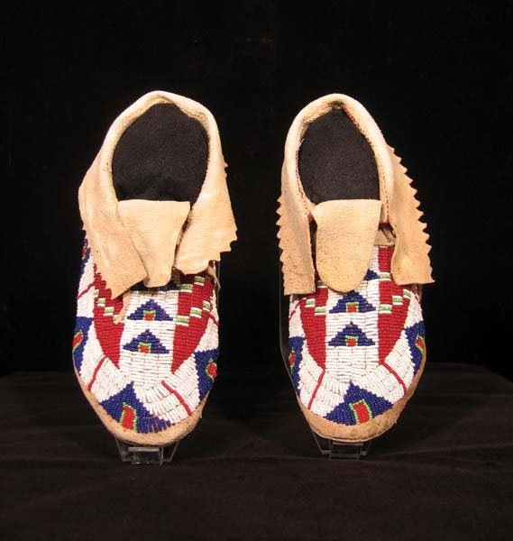 17: Fully Beaded Moccasins