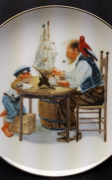 LOT OF 2 NORMAN ROCKWELL DECORATIVE PLATES - 2