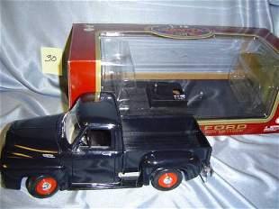 Road Legends 1953 Ford Pickup