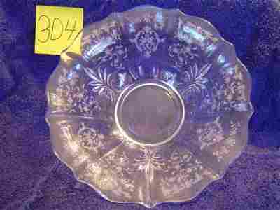304: Fostoria Serving Bowl - Navarre Pattern