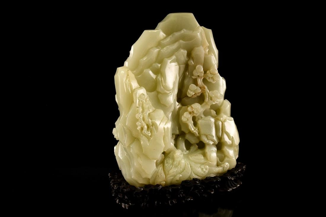 FINE CARVED CHINESE JADE MOUNTAIN LANDSCAPE - 4