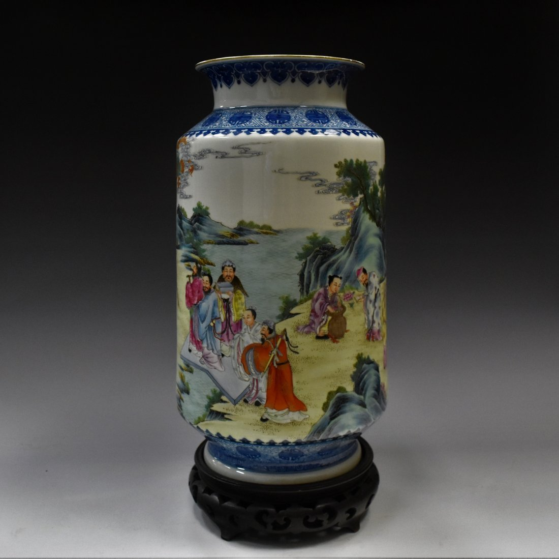 FAMILLE ROSE IMMORTAL PORCELAIN VASE ON STAND