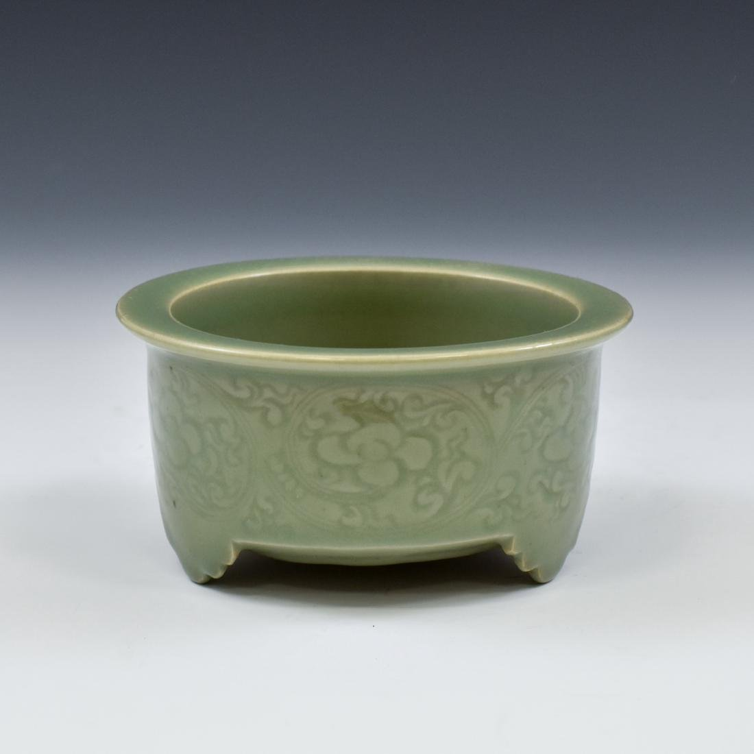 CHINESE SGRAFITTO FLORAL CELADON CENSER - 2